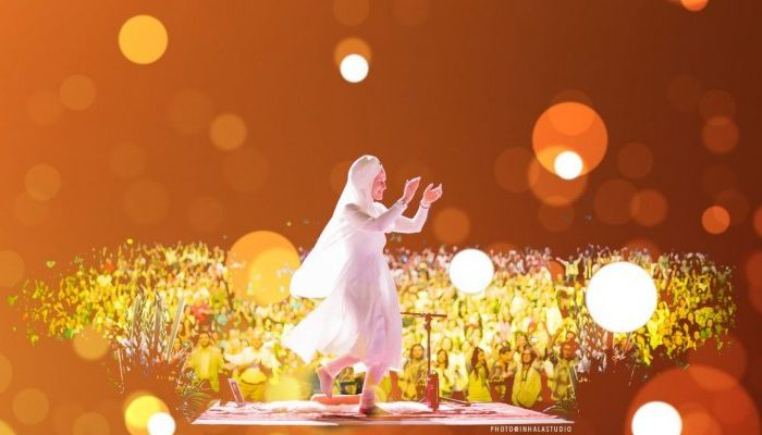 Snatam Kaur in Concert Peace Through Sacred Chant Theater Amsterdam 18 march 2020 HeartFire